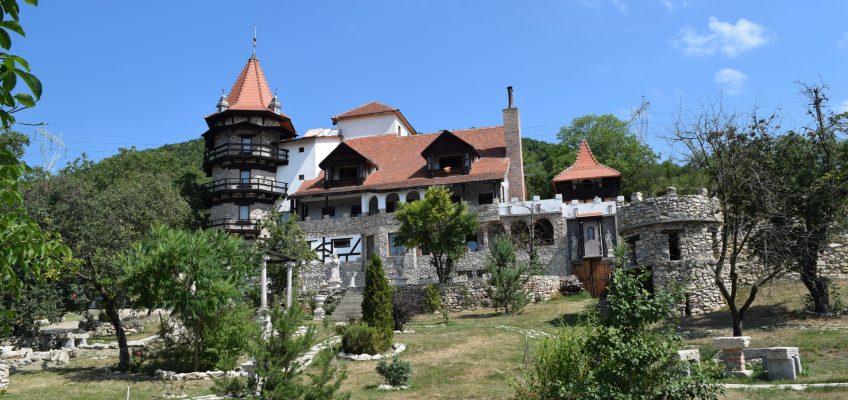 Lupilor Castle