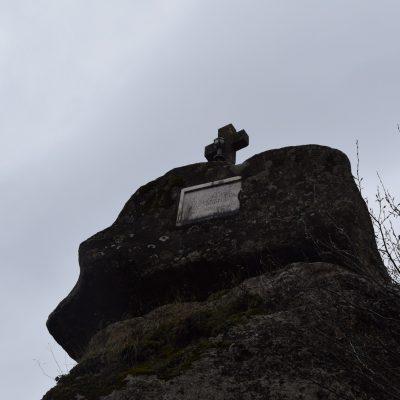 Cetatuia Negru Voda monastery, with Scoala Iubirii into Arges county.