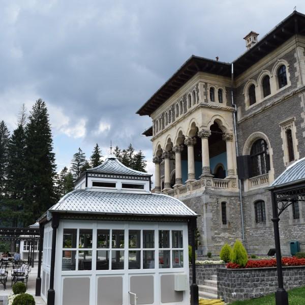 Le chateau Cantacuzino, vers Covasna