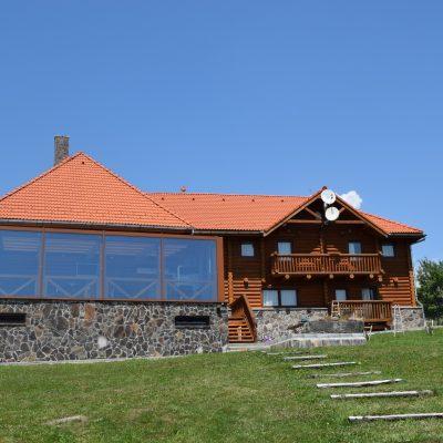 Villa Honor. Proche de Covasna