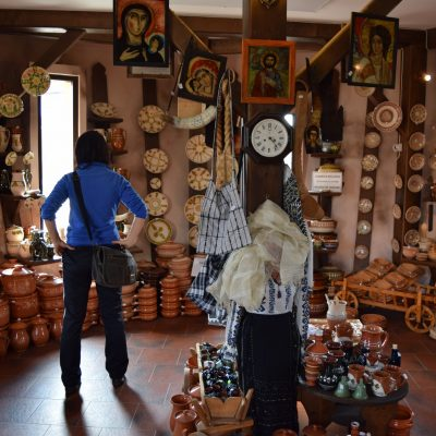 Horezu ceramics - Ceramica Pietraru. Judet de Valcea