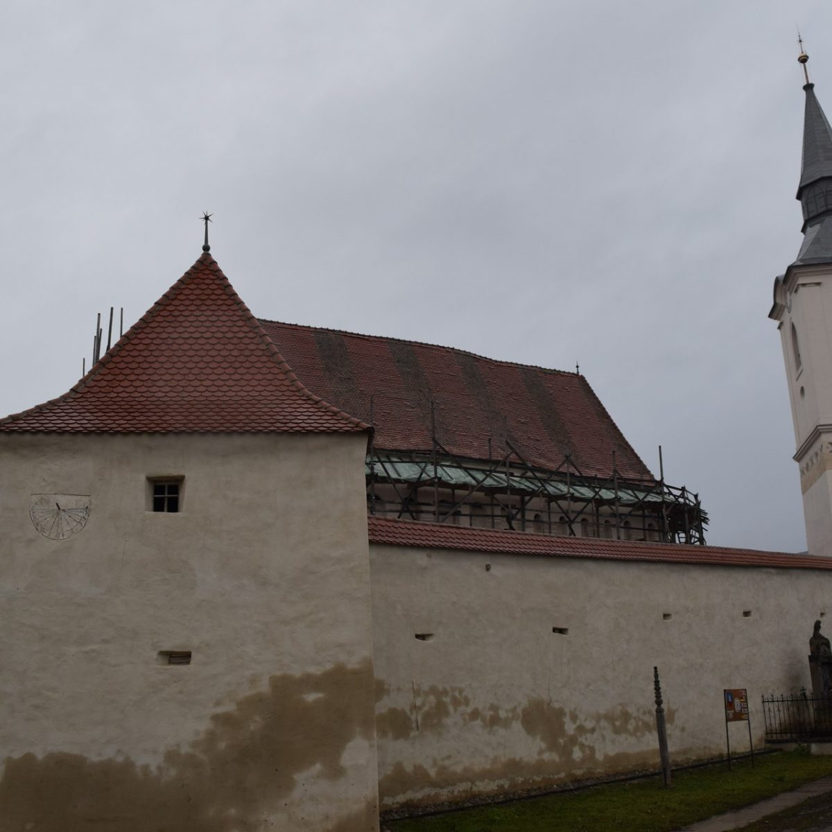 Eglise fortifiée de Darjiu. Harghita