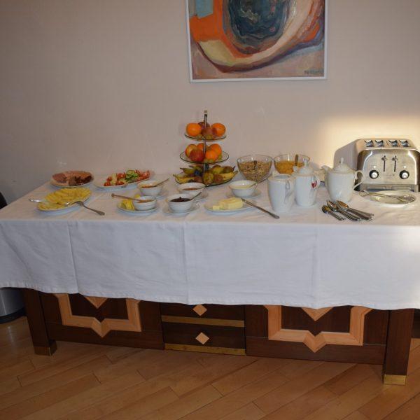 Petit-déjeuner du chateau Daniel. Brasov