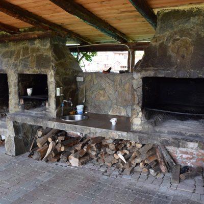 Les fours à bois de la pension Danubia.