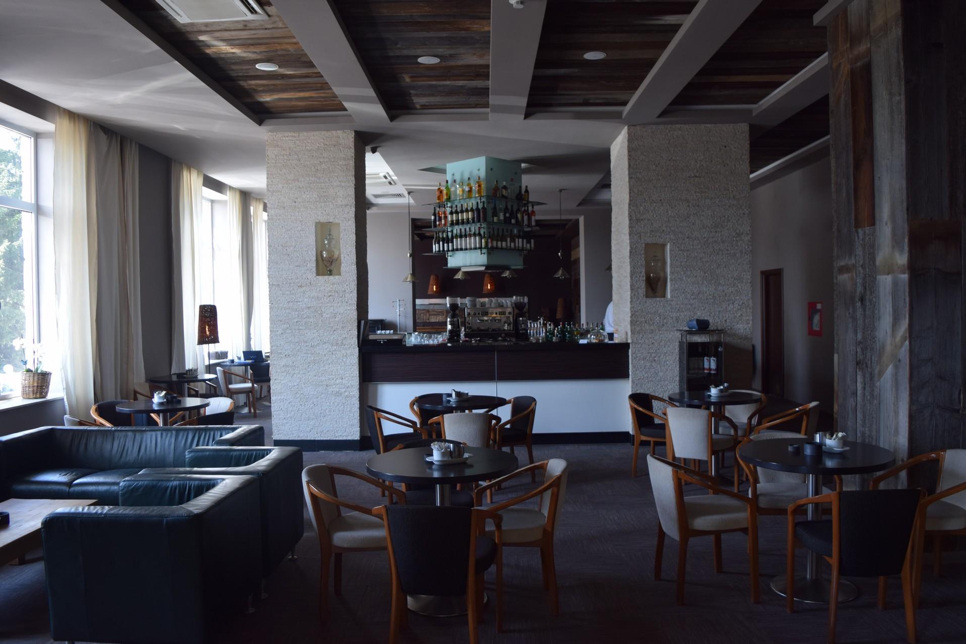 Balvanyos hotel bar