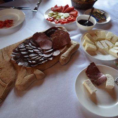 Petit-Déjeuner de la Villa Honor.