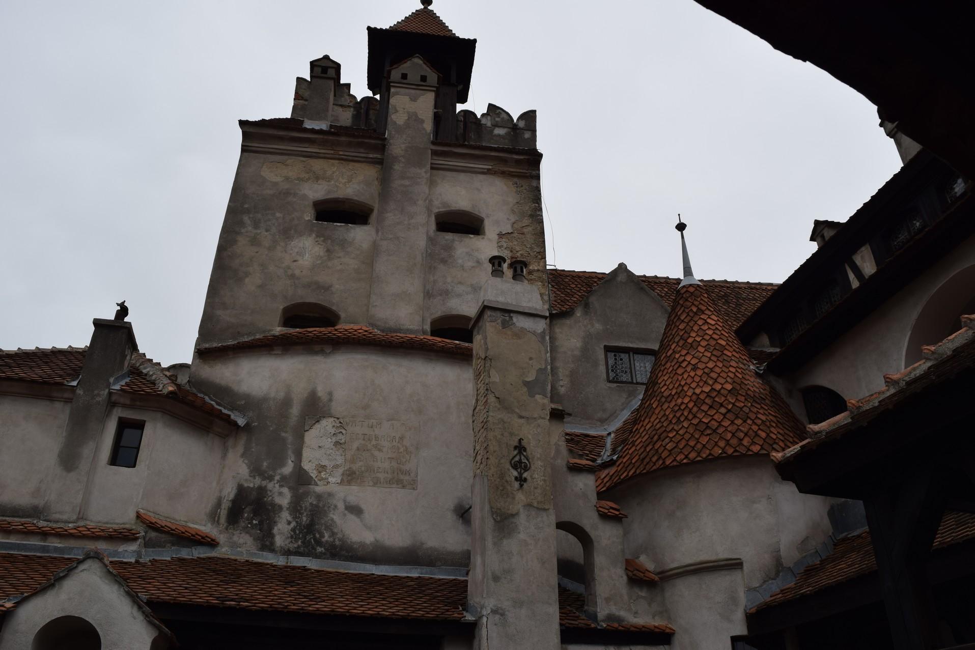 le chateau de ma mere conclusion » cette phrase de pagnol fidèlement restituée par la voix off parfumée à la lavande de jean-pierre darras ouvre le château de ma mère, la suite de la gloire de mon père.