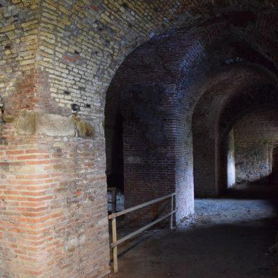 Voyage en Roumanie, une salle dans le rempart de la citadelle de Fagaras.