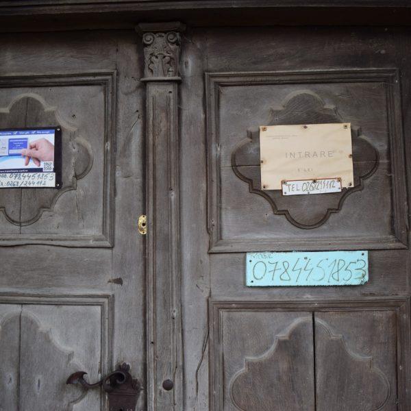 Voyage en Roumanie, église fortifiée de Cincsor.