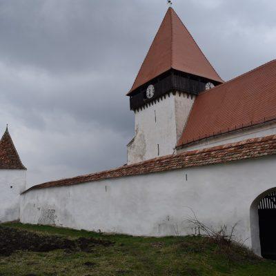 Voyage en Roumanie, église fortifiée de Dealu Frumos.