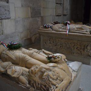 Voyage en Roumanie : Les gisants de la cathedrale Saint Pierre, a Alba Iulia