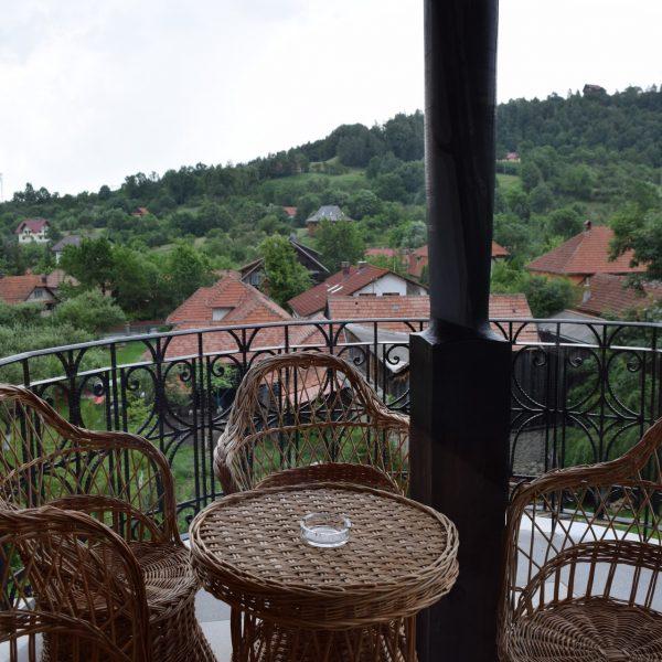 Un balcon au Conacul Bratescu.