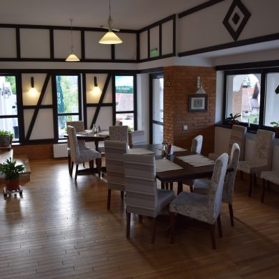 The restaurant of Conacul Bratescu.