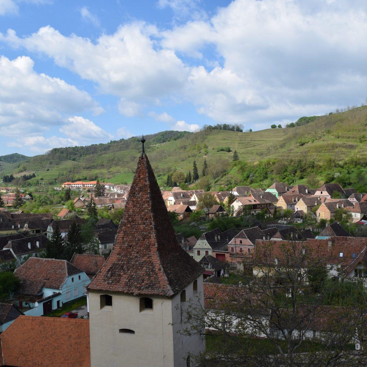 L'église fortifiée de Biertan et sa vue.