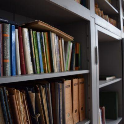 La belle bibliotheque de la maison d'hote de Cincsor
