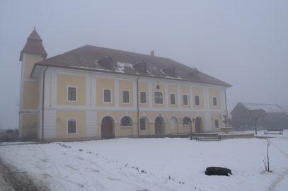 Le château Haller, monument historique transformé en hébergement dans le Mures