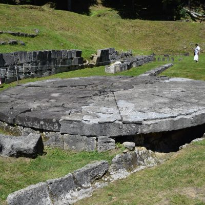 Sarmizegetusa Regia, dans la zone de culte.